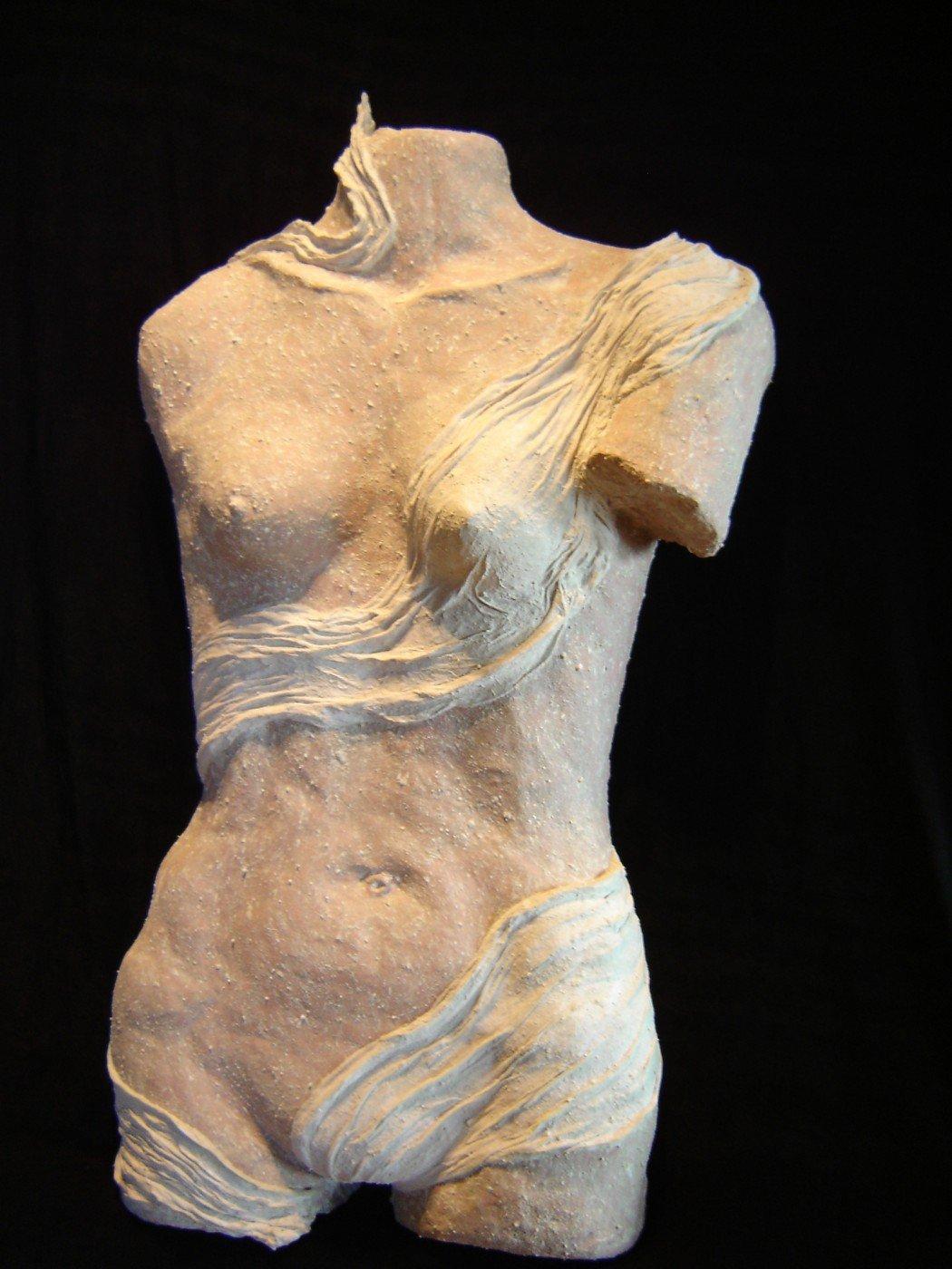 23- Eva I Venus del lago.              69 x 41 x 17cm.