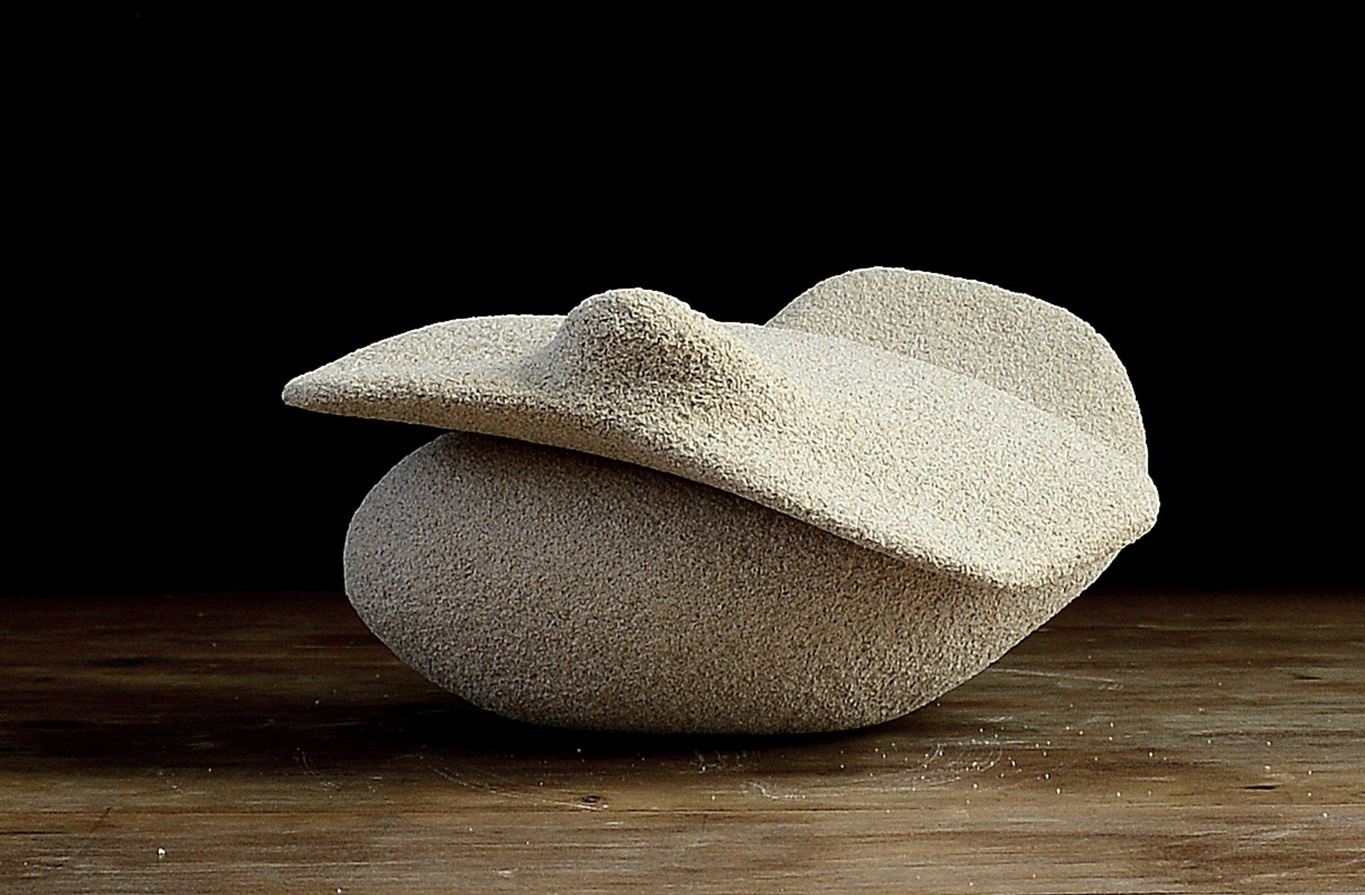 10 Tomás López  sin nombre 15x15x25 piedra marés